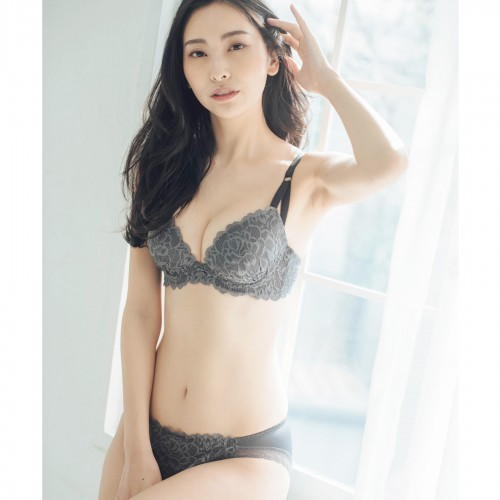 LacyQueen -レーシークィーン-
